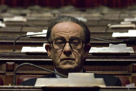 Tony Servillo as Giulio Andreotti in Paolo Sorrentino's Il Divo (2008), likely to become Sorrentino masterpiece for its depiction of a man tenaciously trying to contain himself and his power.